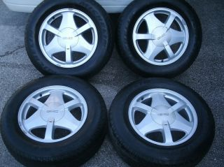 2002 2008 GMC Envoy 17 OEM Wheels Tires Michelin Rims Trailblazer 245
