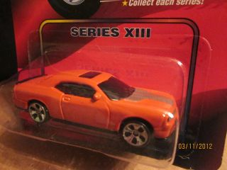 Maisto Speed Wheels Diecast Series XIII 2008 Dodge Challenger SRT8
