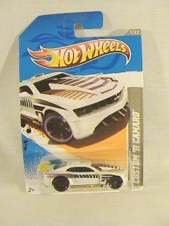 HOT WHEELS CUSTOM 11 CAMARO WHITE WITH PURPLE RIMS CAR HW CODE CARS 12