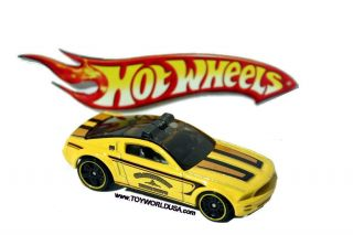 2012 Hot Wheels Mystery Models 14 Ford Mustang GT Concept