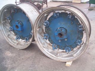 8600 9000 9600 Farm Tractor Rear Spinout Rims 18 4x38 Very Nice