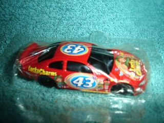 Hot Wheels 2004 GENERAL MILLS PROMO 2004 Dodge Intrepid 43 PETTY Lucky