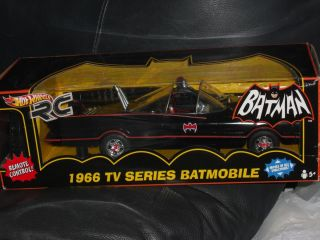 2010 Hot Wheels R C Remote Control 1 18 Scale 1966 TV Series Batmobile