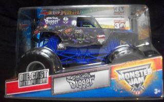 HotWheels Monster Jam Grave   SON UVA Digger   30th   truck 2012  124