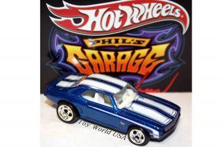 Hot Wheels Phils Garage 69 Chevy Camaro 30 Car Set