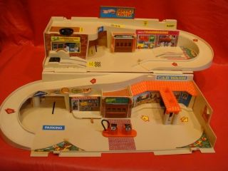 Vintage 1979 Hotwheels Sto Go Service Center Playset for Diecast Cars