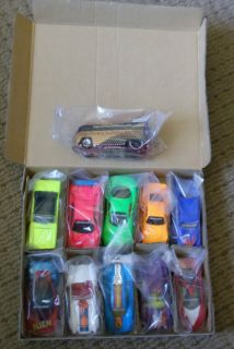 Hot Wheels 1997 VW Internet Drag Bus 1 and Revelers Set