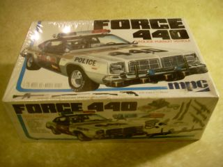 MPC Force 440 Police Car Pursuit Vehicle Model Kit Car Plastic