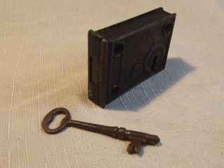 Vintage Antique Cast Iron Skeleton Key Door Lock Box Rim Lock Tiny